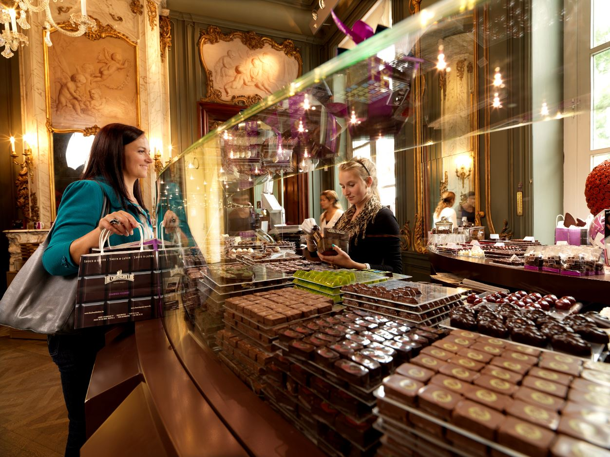 Shopping at The Chocolate Line Antwerp (c) www.milo profi.be